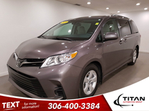 Toyota Sienna LE | Heated Seats | Navigation Inventory Image
