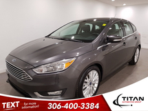 Ford Focus Titanium   Heated Leather   Sunroof   Sony   Bluetooth   Back-up Camera   Rims Inventory Image