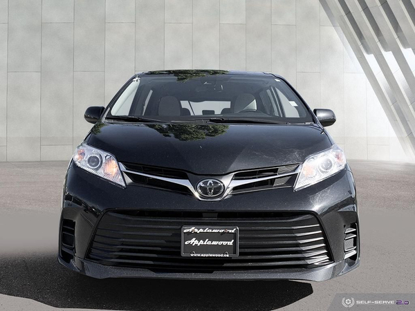 Toyota Sienna LE Vehicle Details Image