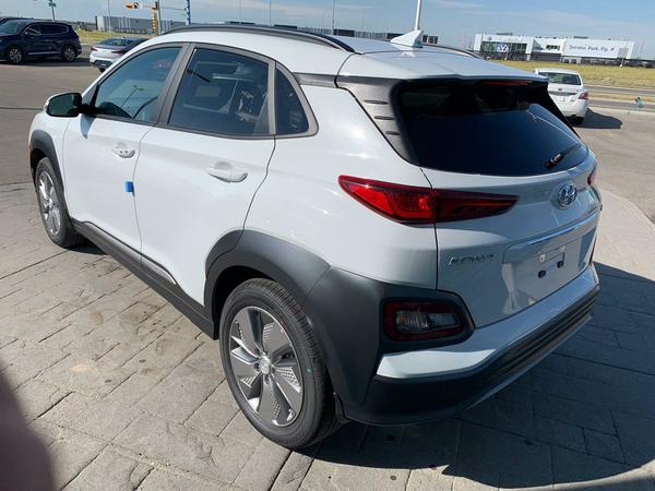 Hyundai Kona Limited Vehicle Details Image