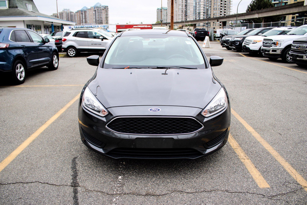 Ford Focus SE Sedan Cam Sync Vehicle Details Image