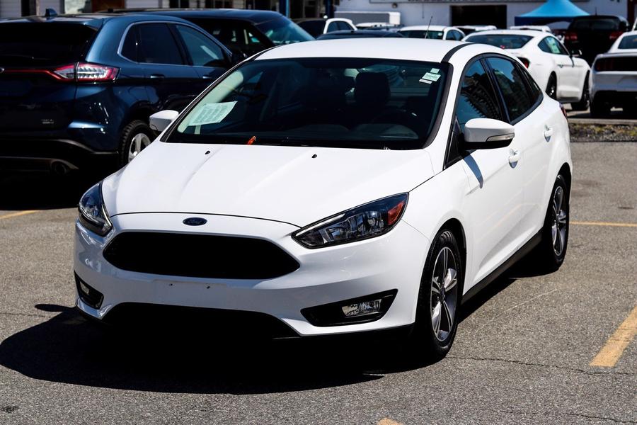 Ford Focus SE Sedan Winter Pkg Cam Sync Heated Seats Vehicle Details Image