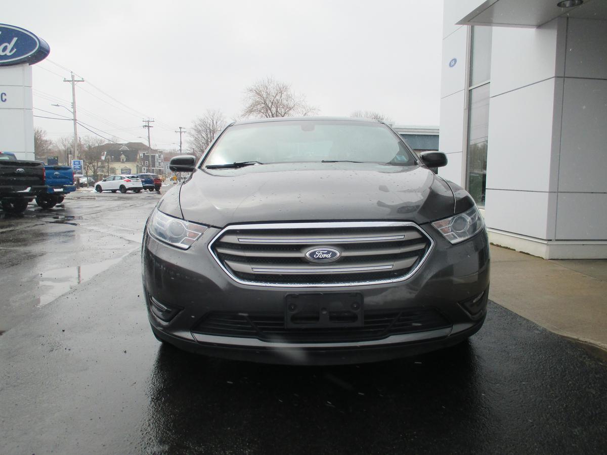 Ford Taurus Vehicle Details Image