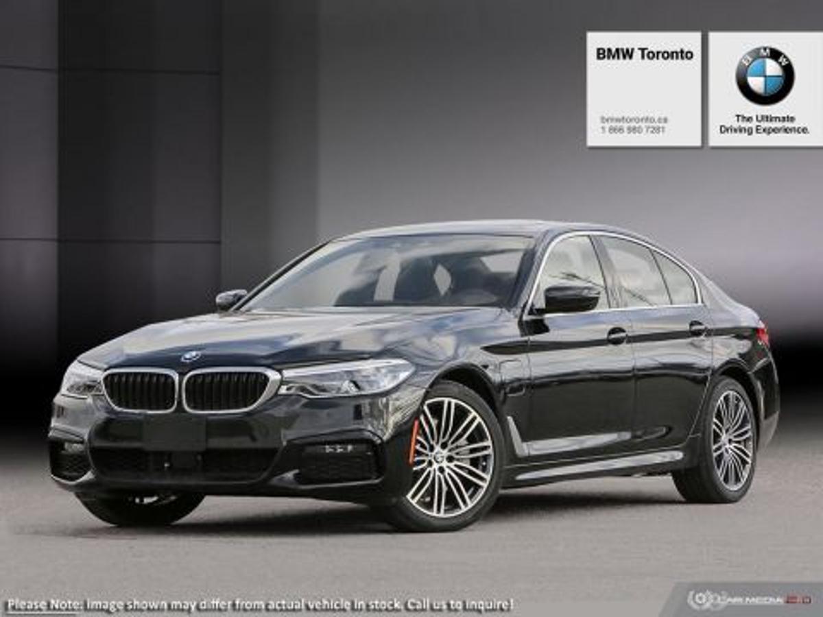 BMW 5 Series xDrive Vehicle Details Image