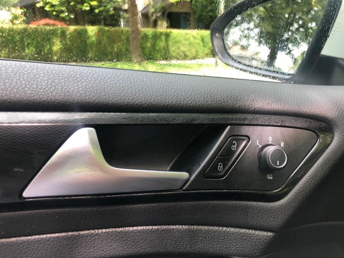 Volkswagen Golf GTI Vehicle Details Image