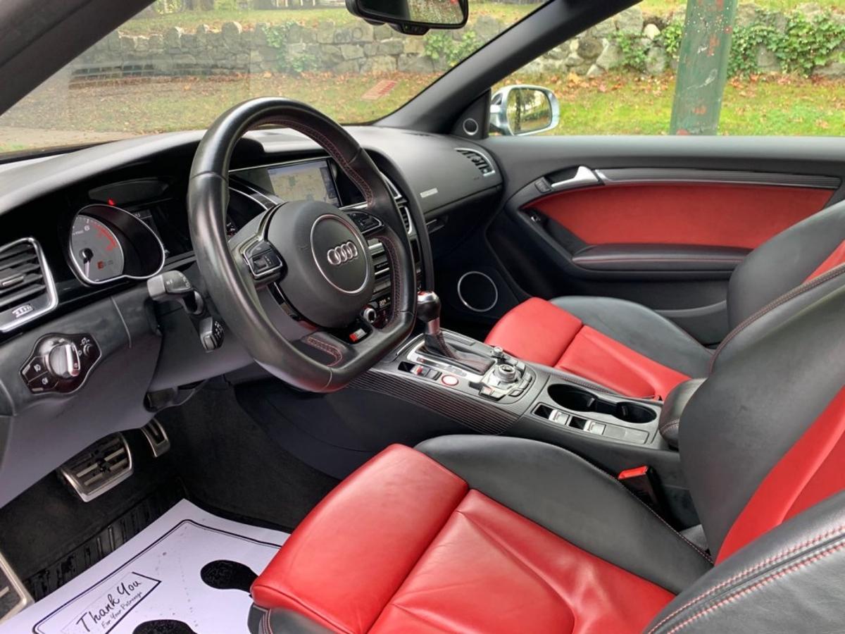 Audi S5 Vehicle Details Image