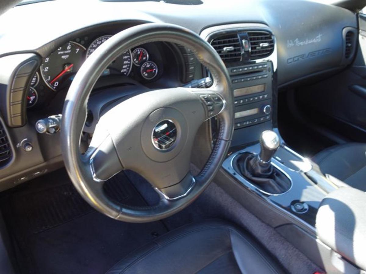 Chevrolet Corvette Vehicle Details Image