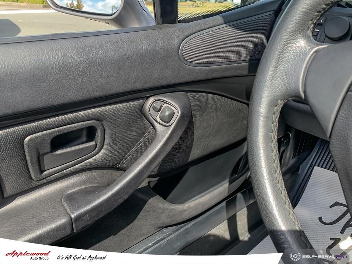 BMW 3 Series Vehicle Details Image