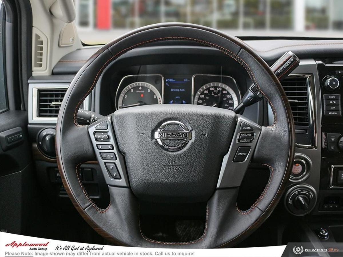 Nissan Titan Vehicle Details Image