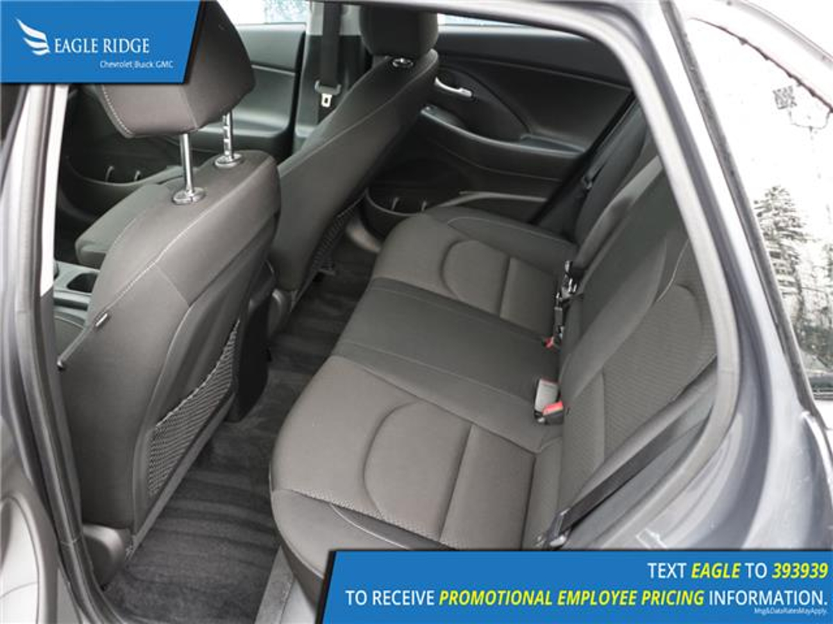 Hyundai Elantra GT Vehicle Details Image