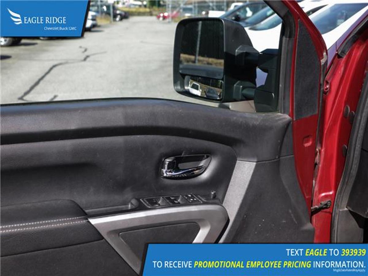 Nissan Titan XD Vehicle Details Image