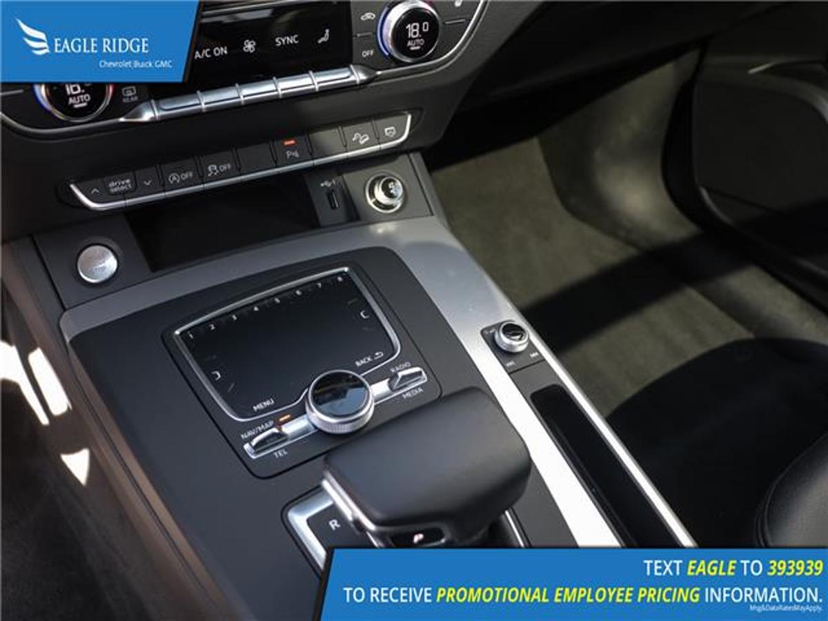 Audi Q5 Vehicle Details Image