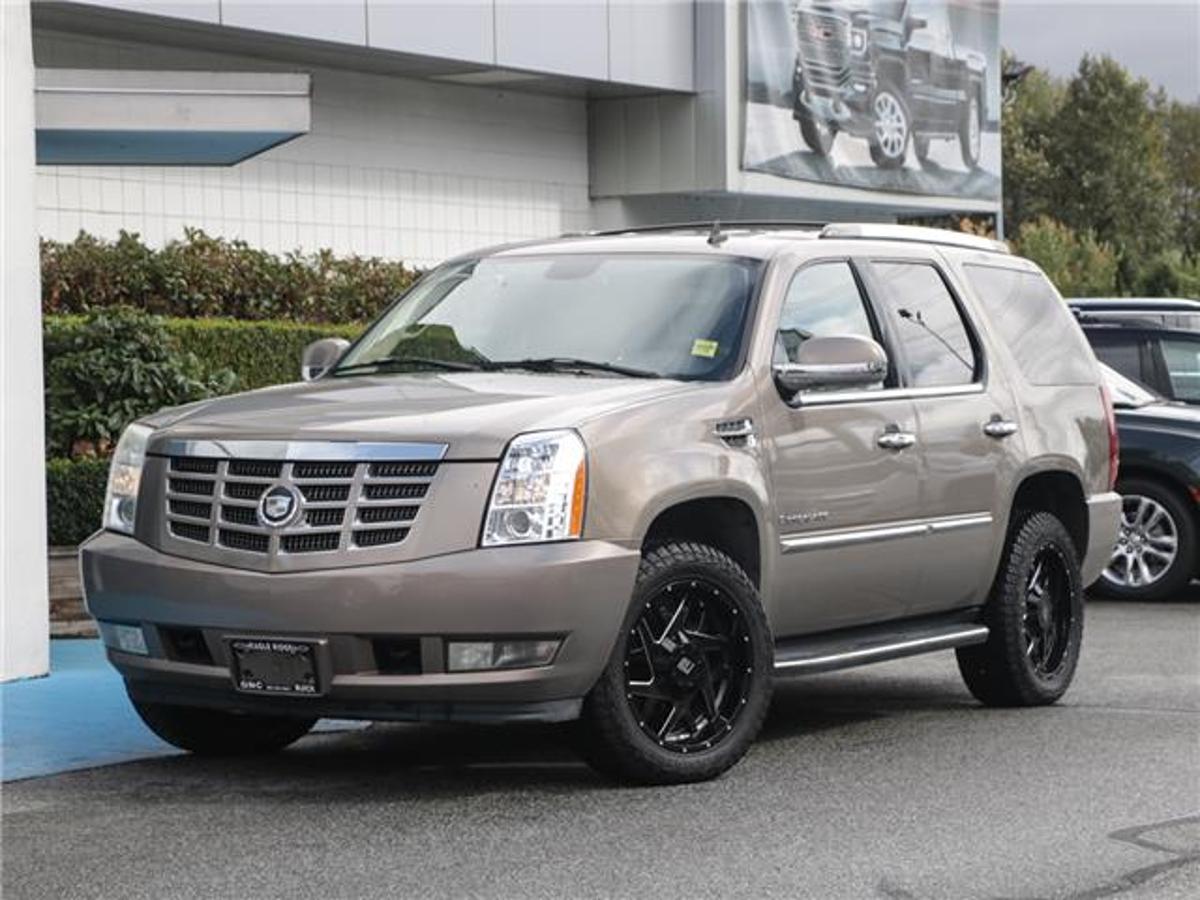 Cadillac Escalade Base Vehicle Details Image