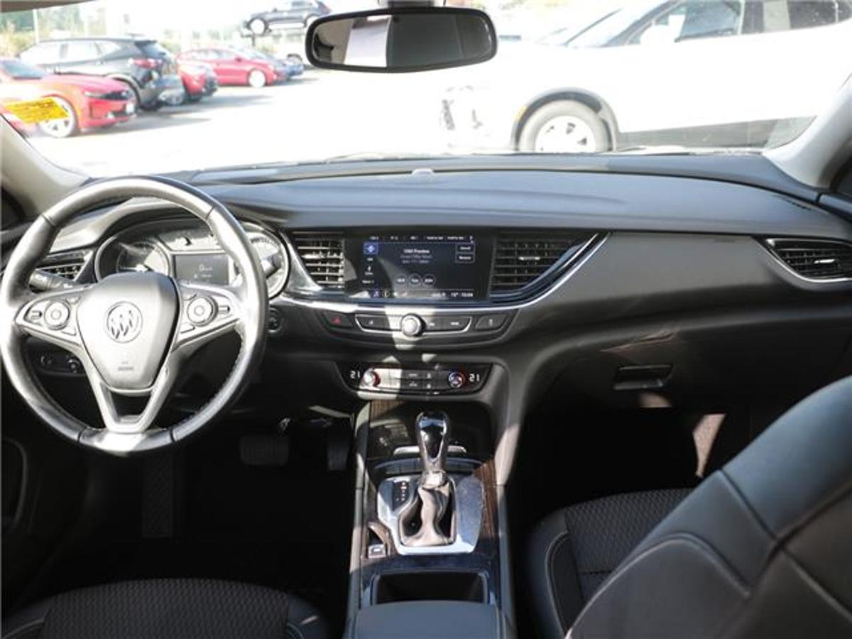 Buick Regal Sportback Vehicle Details Image