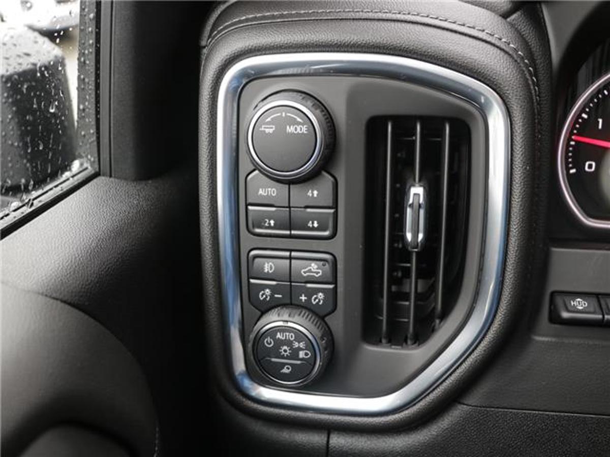 Chevrolet Silverado 3500HD Vehicle Details Image