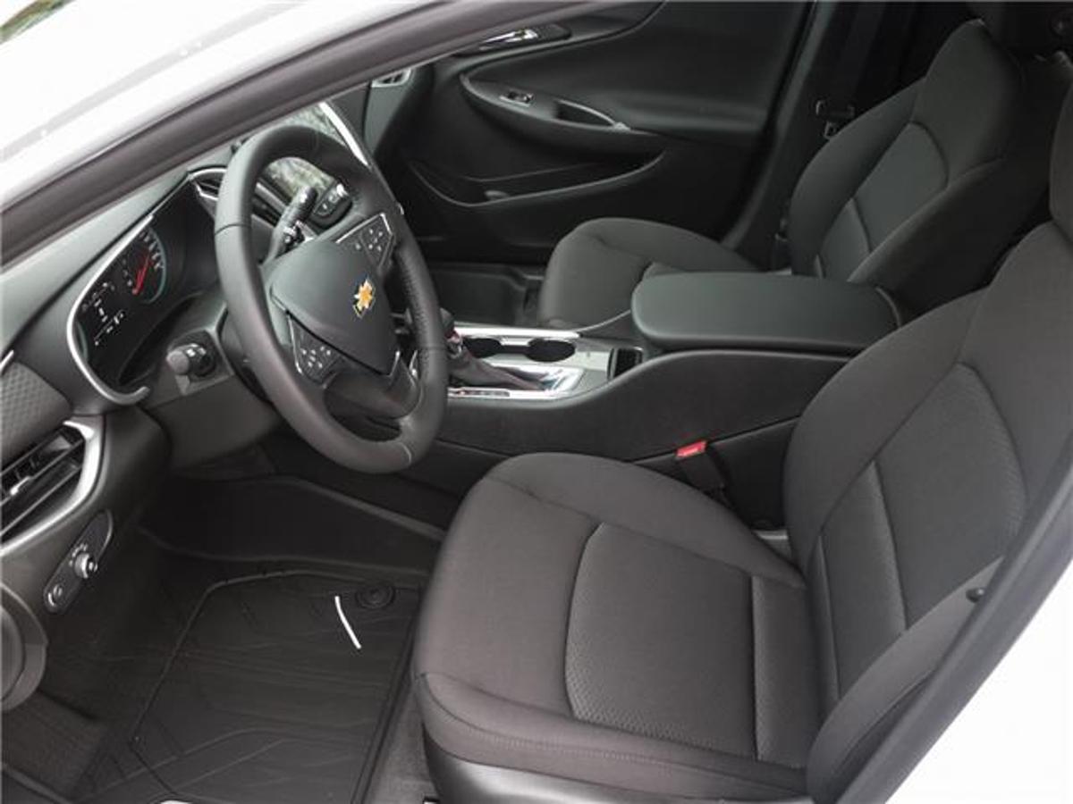 Chevrolet Malibu Vehicle Details Image
