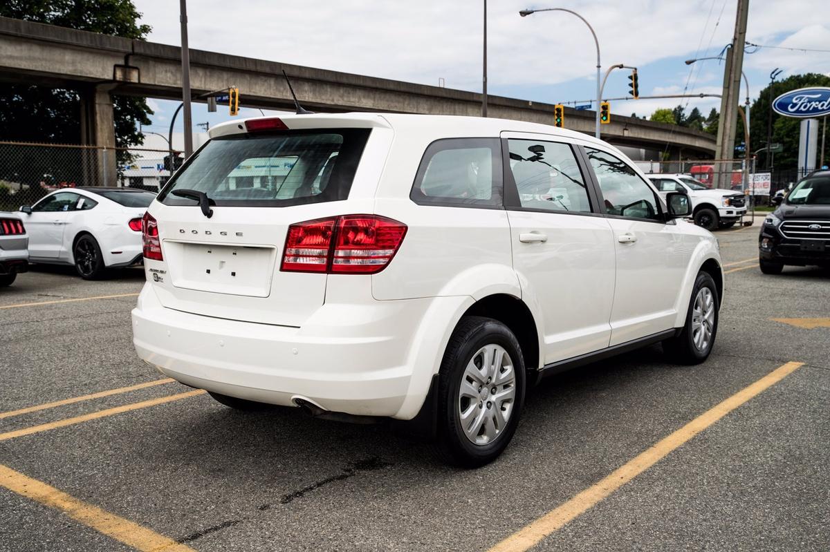 Dodge Journey Vehicle Details Image